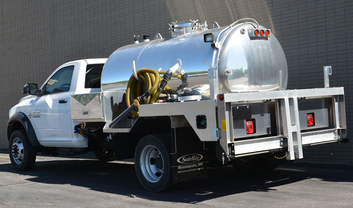 Mal 2150 Vacuum Service Truck For Portable Restrooms And